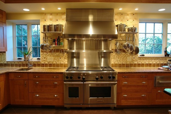 крепление рейлинга на кухне фото