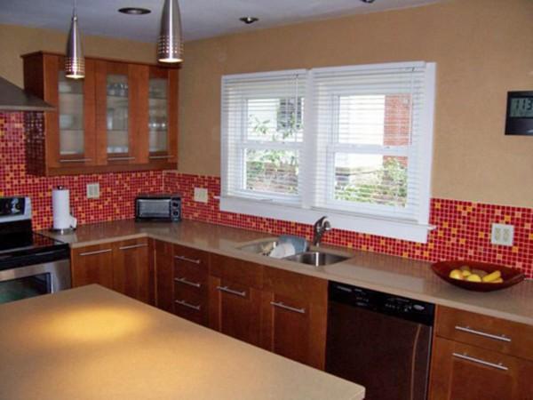 декоративная отделка стен на кухне фото