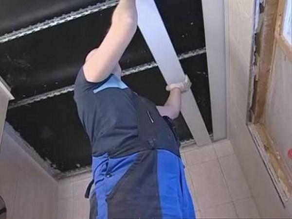 как собрать реечный потолок на кухне фото