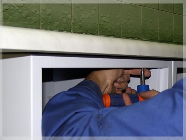 установка кухонной столешницы фото