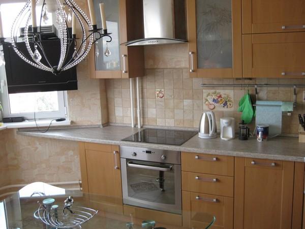 как спрятать трубы на кухне фото