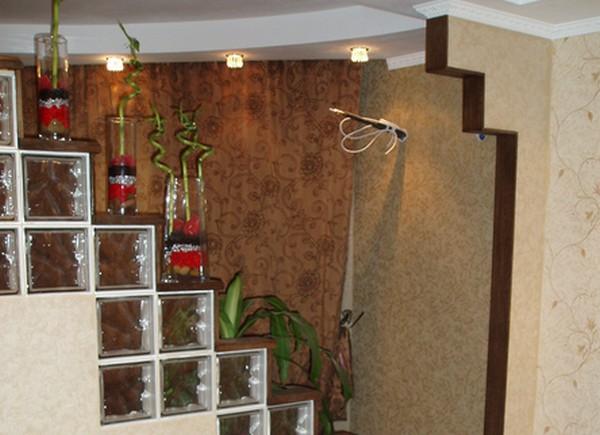 стеклянная перегородка между кухней и гостиной фото