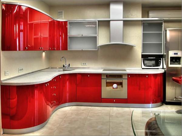 освещение на красно белой кухне фото