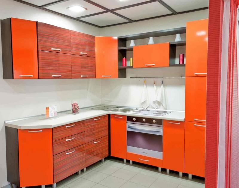 бежево оранжевая кухня фото