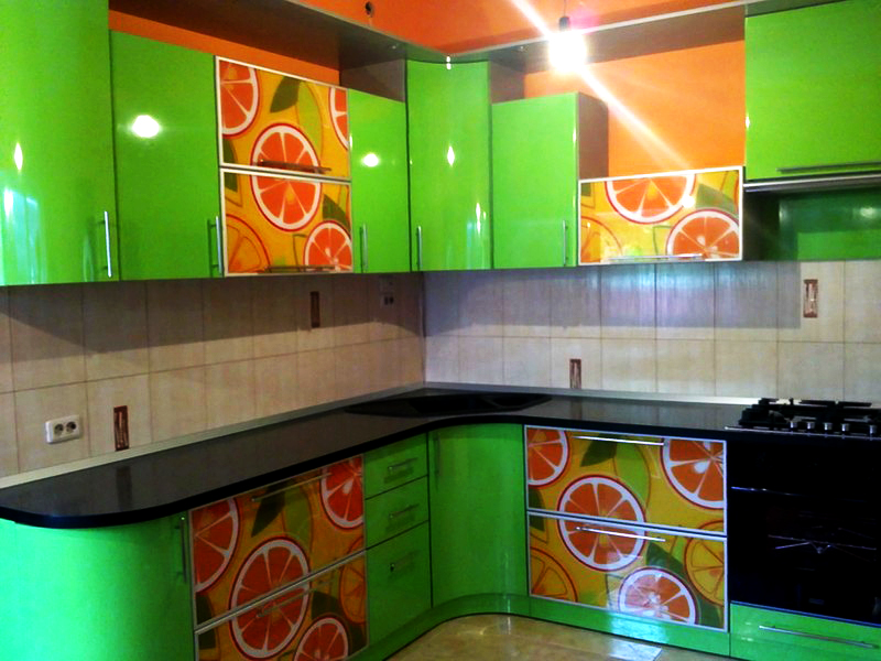 зелено оранжевая кухня фото