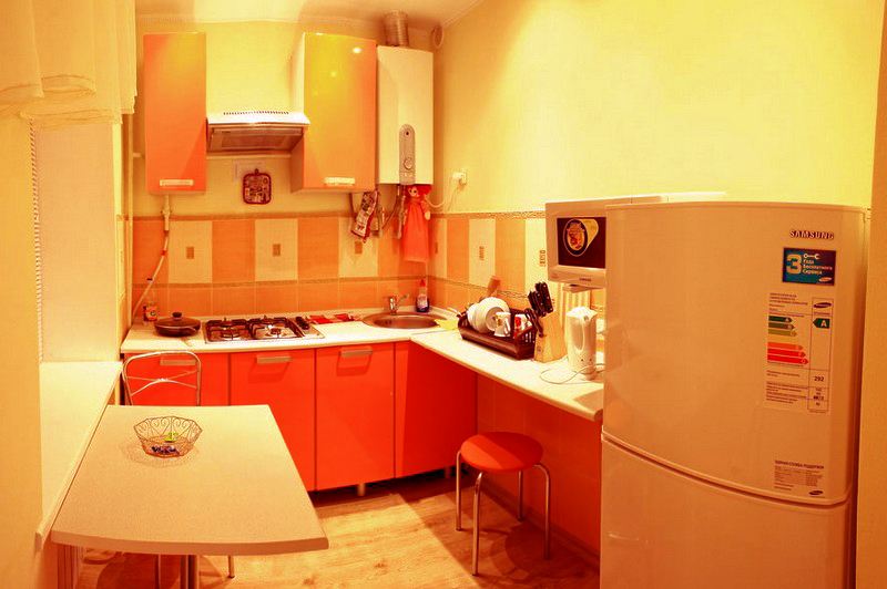 желто оранжевая кухня фото
