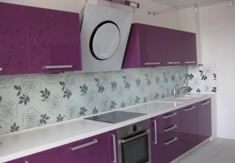 бело сиреневая кухня фото