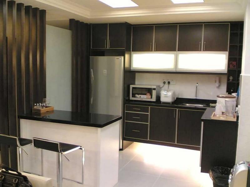 дизайн маленькой квадратной кухни фото
