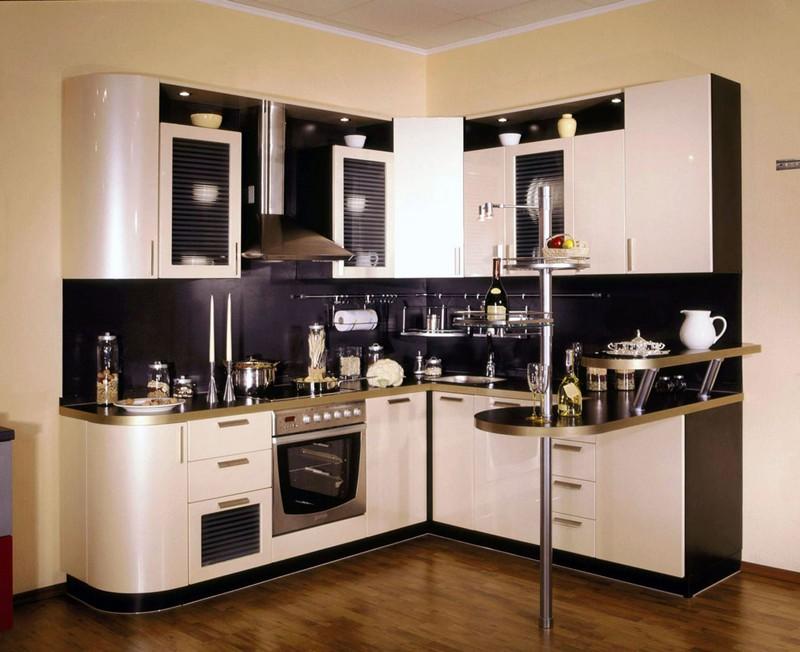 маленькая квадратная кухня фото