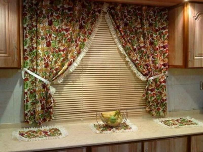 короткие шторы для кухни фото