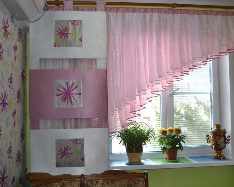 варианты коротких штор на кухню фото