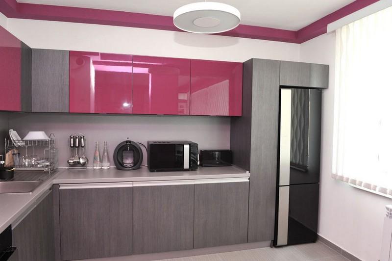 сочетание серого цвета в интерьере кухни фото