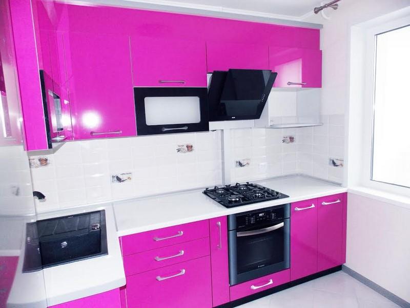 маленькая глянцевая кухня фото