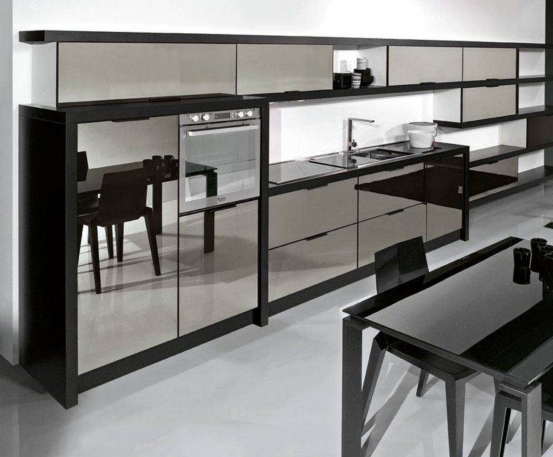 зеркальные фасады на кухне фото