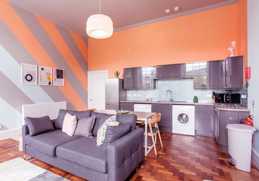 серо персиковая кухня фото