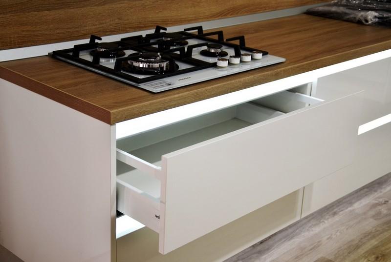 кухонные шкафы открывание без ручек