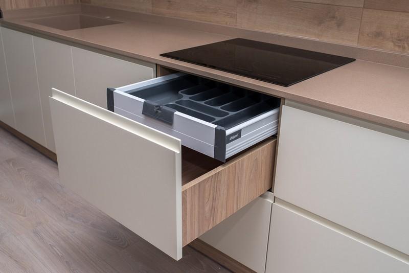 кухонные шкафы без ручек фото