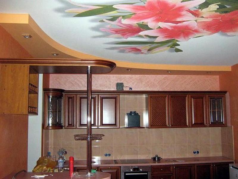 потолок с фотопечатью на кухню фото