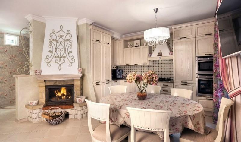 кухня с камином в стиле кантри фото