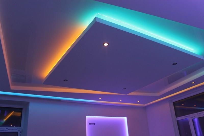 подсветка на кухне на потолке фото
