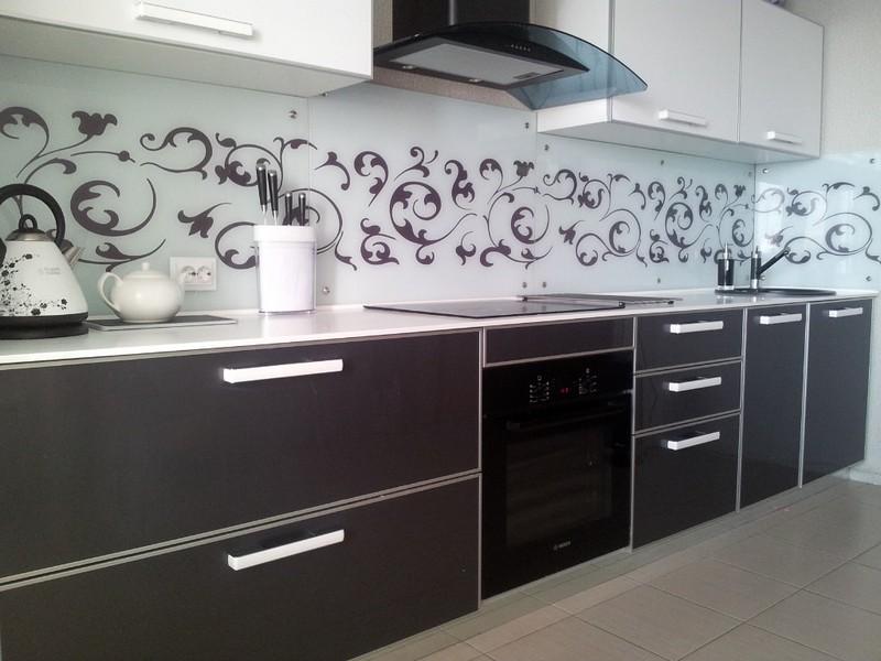 кухонный гарнитур с пластиковыми фасадами фото