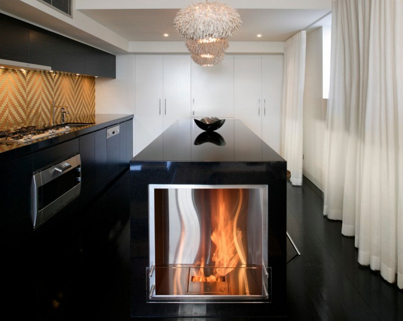 современная кухня с камином фото