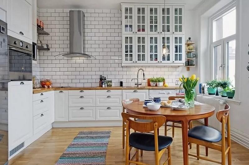 кухня в скандинавском стиле с кирпичной стеной фото
