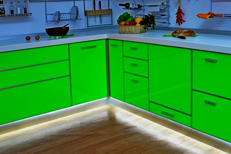 подсветка пола на кухне фото