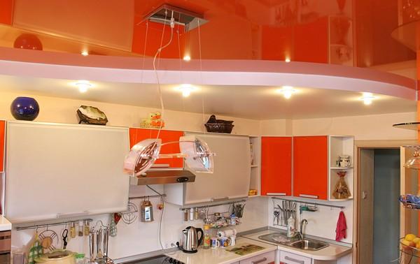 какой потолок сделать на кухне фото