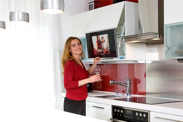 какой выбрать телевизор на кухню фото