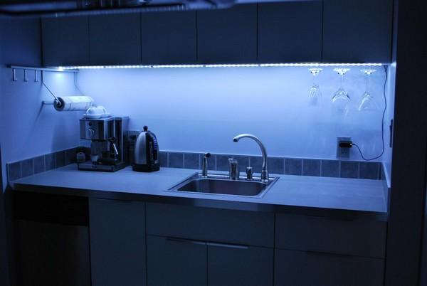 подсветка рабочей зоны на кухне фото