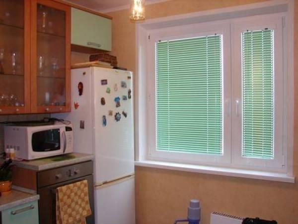 жалюзи на кухню горизонтальные фото