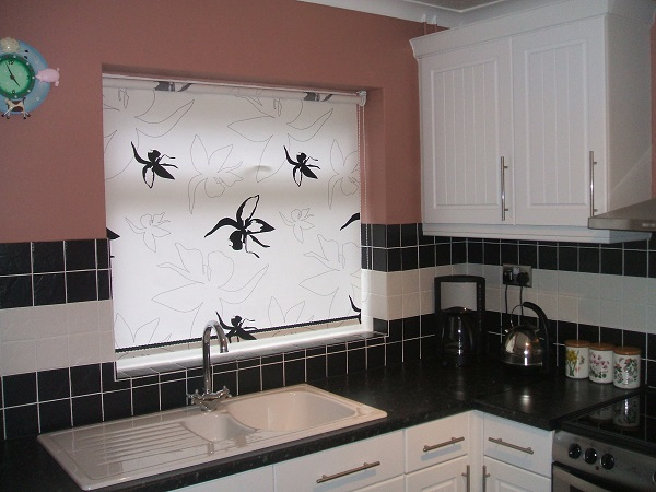 жалюзи на кухню с рисунком фото