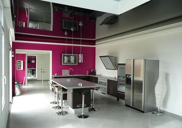 минусы натяжного потолка на кухне фото