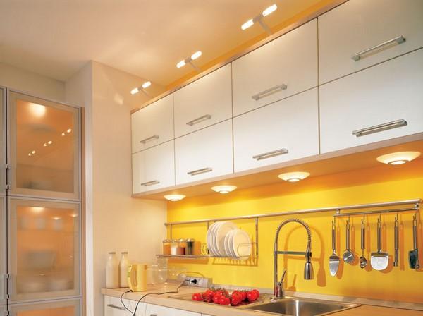 освещение рабочей зоны на кухне фото