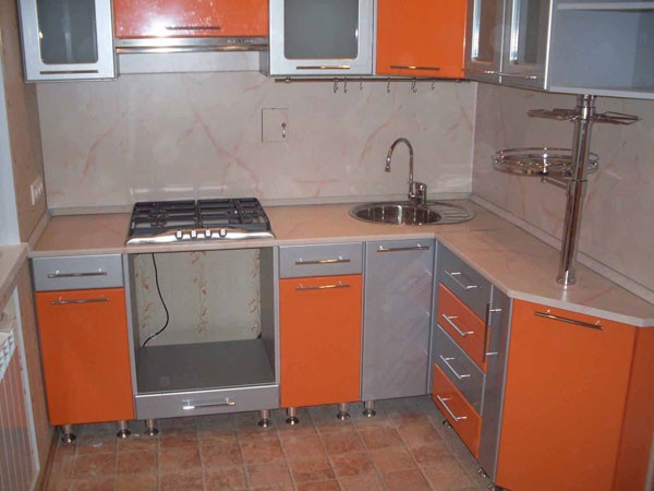 спрятать газовую трубу на кухне фото