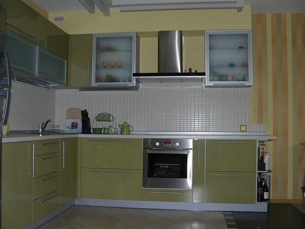 установка фальшпанели на кухне фото
