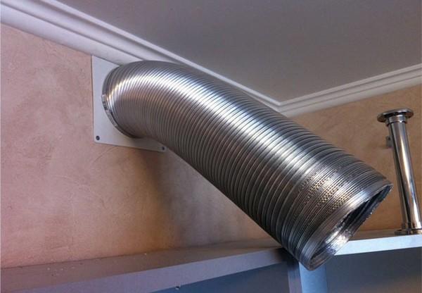 труба для вытяжки на кухне фото