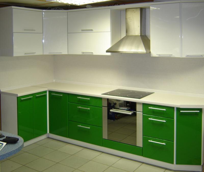 бело зеленая кухня фото