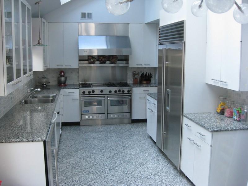 серая кухня фото
