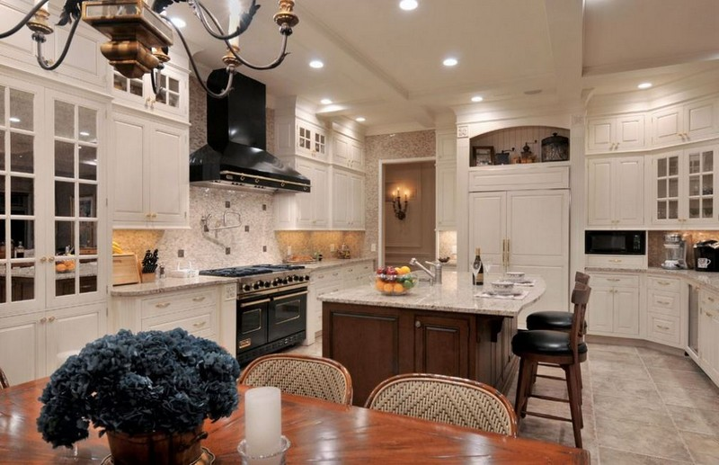 кухня гостиная в средиземноморском стиле фото