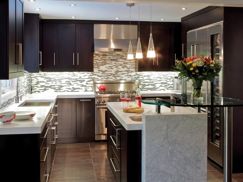 кухня в коричневых тонах фото
