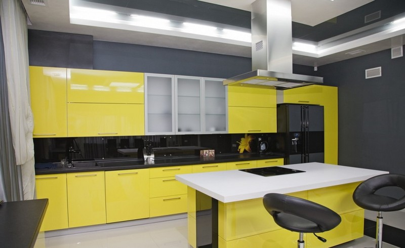 серо желтая кухня фото