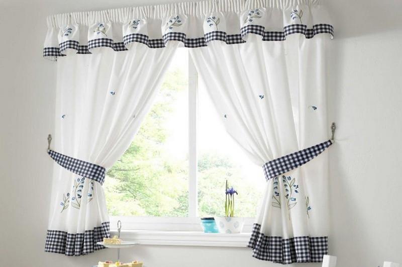 дизайн коротких штор на кухню фото