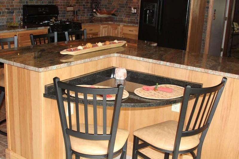 угловой кухонный стол фото