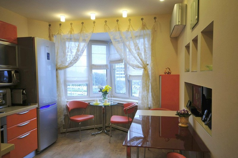 интерьер кухни с эркером фото