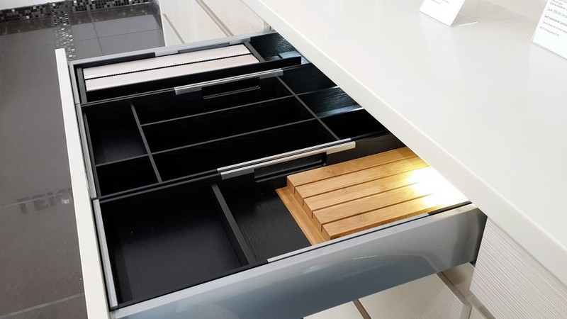 выдвижные органайзеры для кухни фото