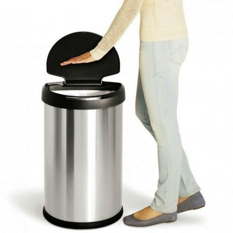 сенсорное мусорное ведро для кухни фото